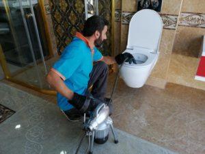 Cihazla Tuvalet tıkanıklığı açma ve kanalizasyon konusunda 7/24 destek vermekteyiz.